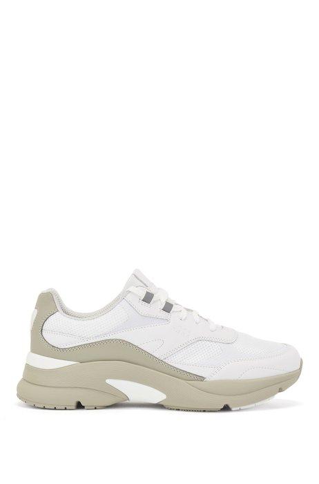 Baskets style chaussures de course en cuir et mesh ajouré, Blanc