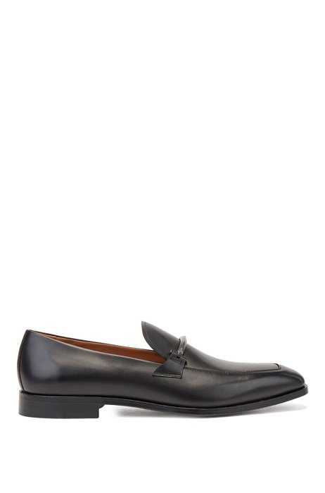 Loafers in Portuguese leather with logo-engraved hardware, Black