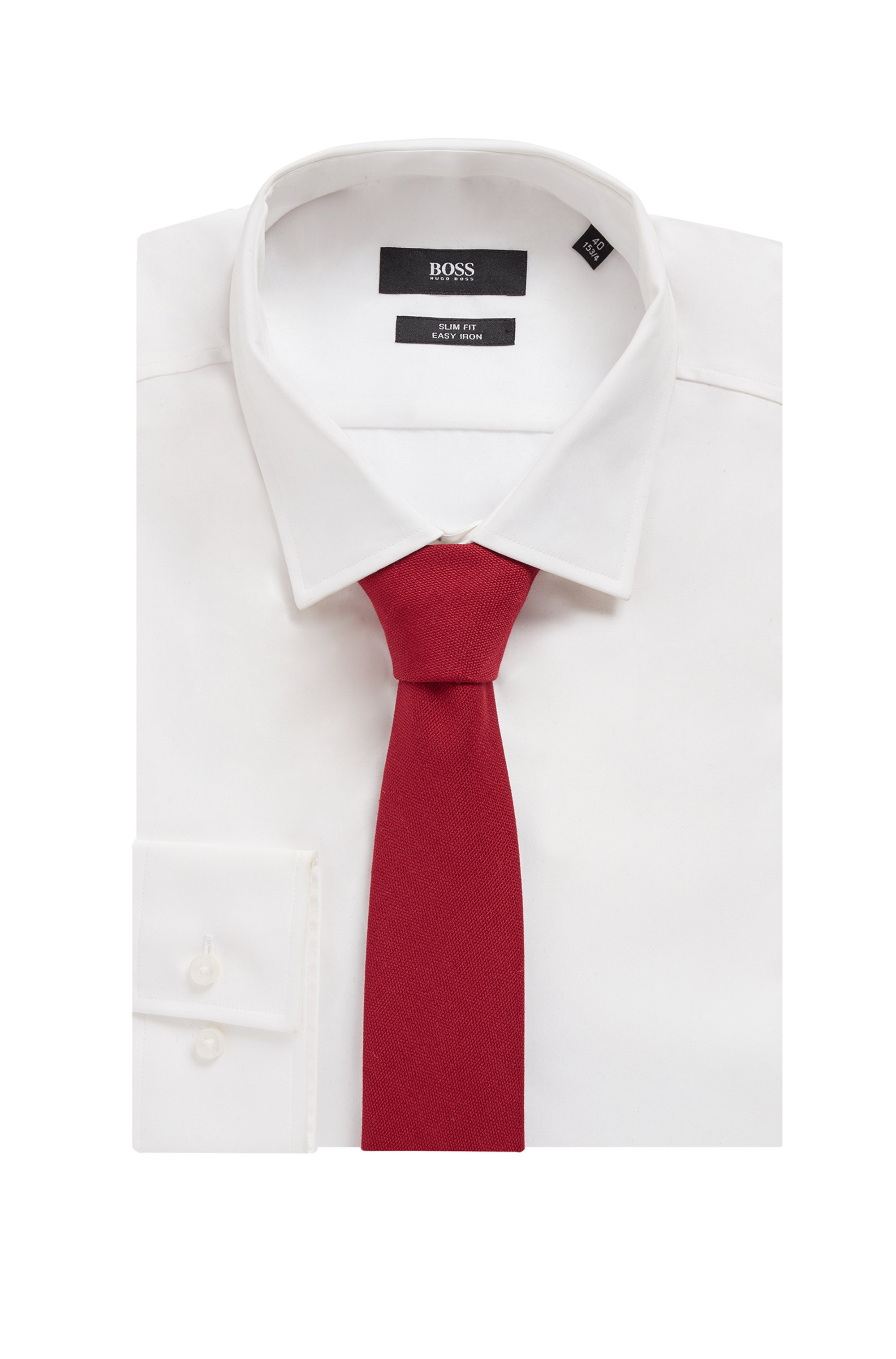 Italian-made tie in midweight fabric