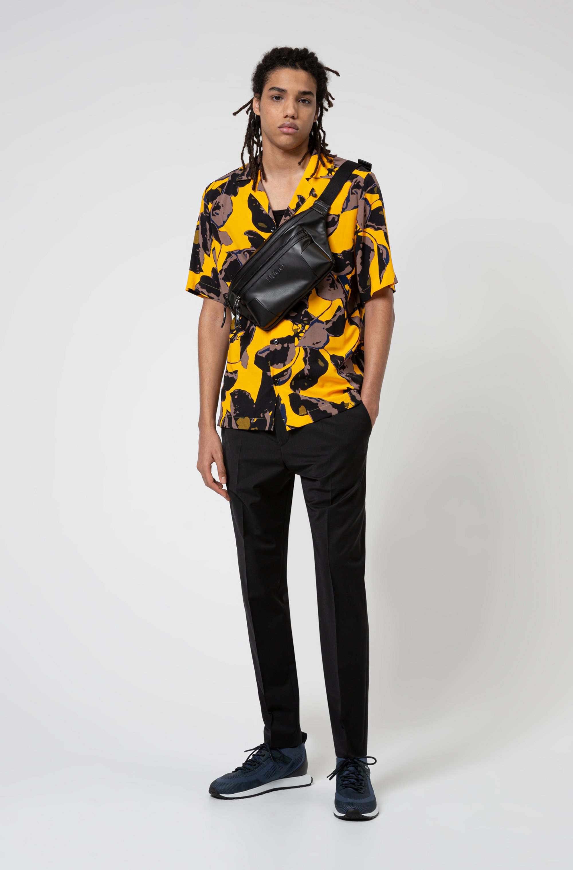 Relaxed-fit shirt with vibrant floral print