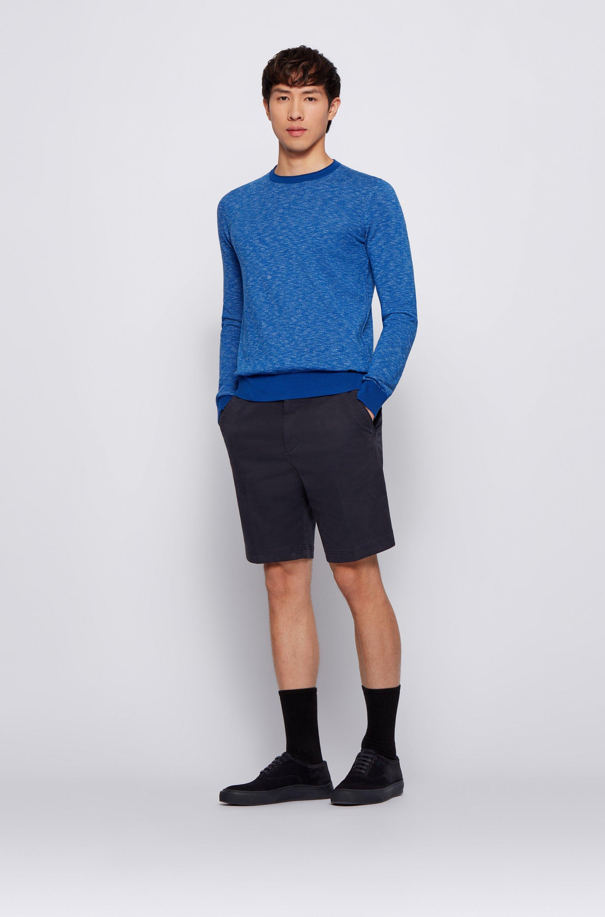 Maglione slim fit in cotone con bordo del collo arrotolato