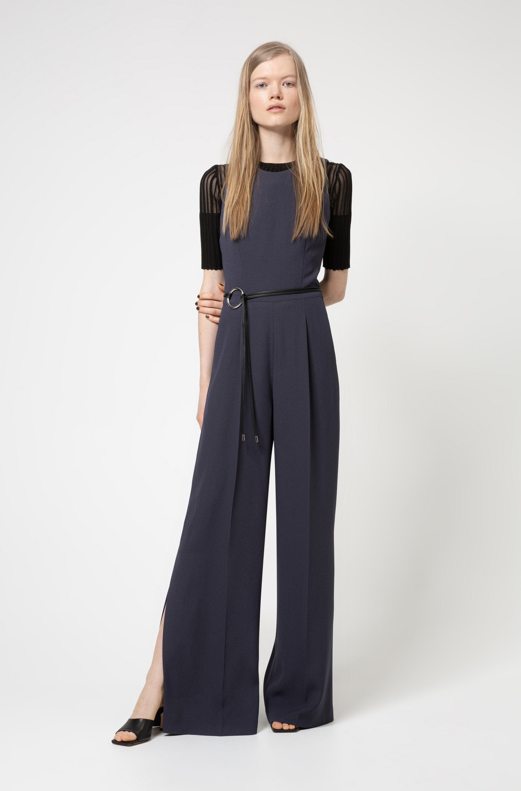 Sleeveless jumpsuit with cut-out back