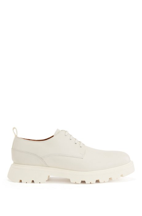 Derby shoes in calf leather with textured heel counter, White