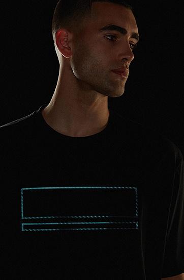 超大款 T 恤,装饰以碳箔细节,  001_Black