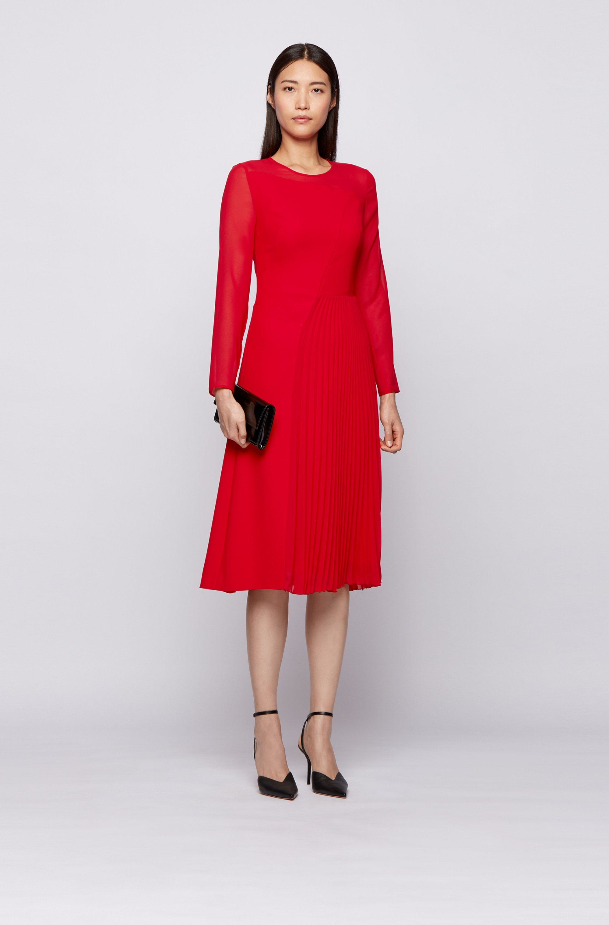 Long-sleeved dress with asymmetric lines in crinkle crepe