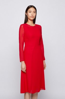 Long-sleeved dress with asymmetric lines in crinkle crepe, light pink