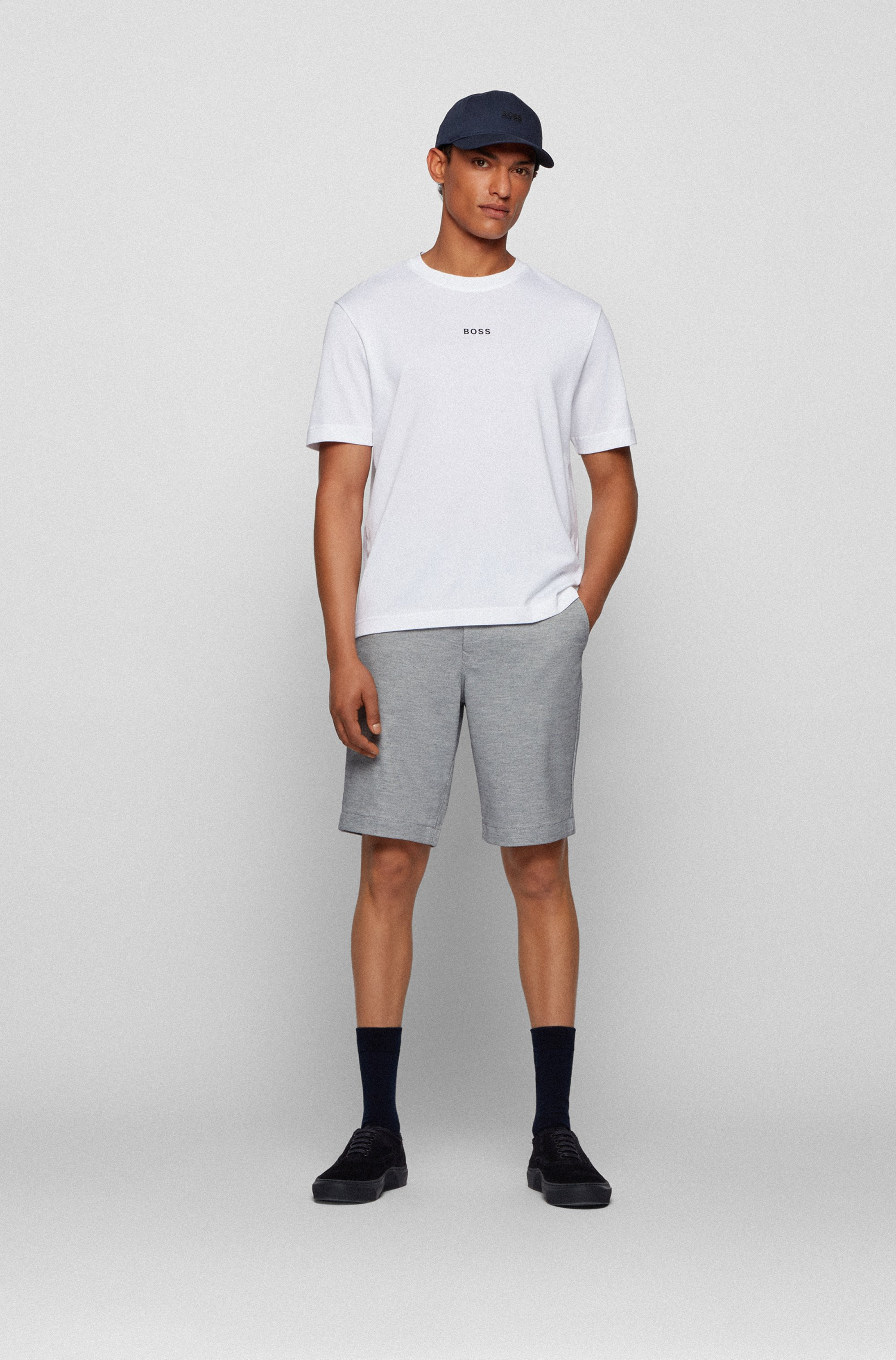 Tapered-fit shorts in two-tone knitted stretch fabric