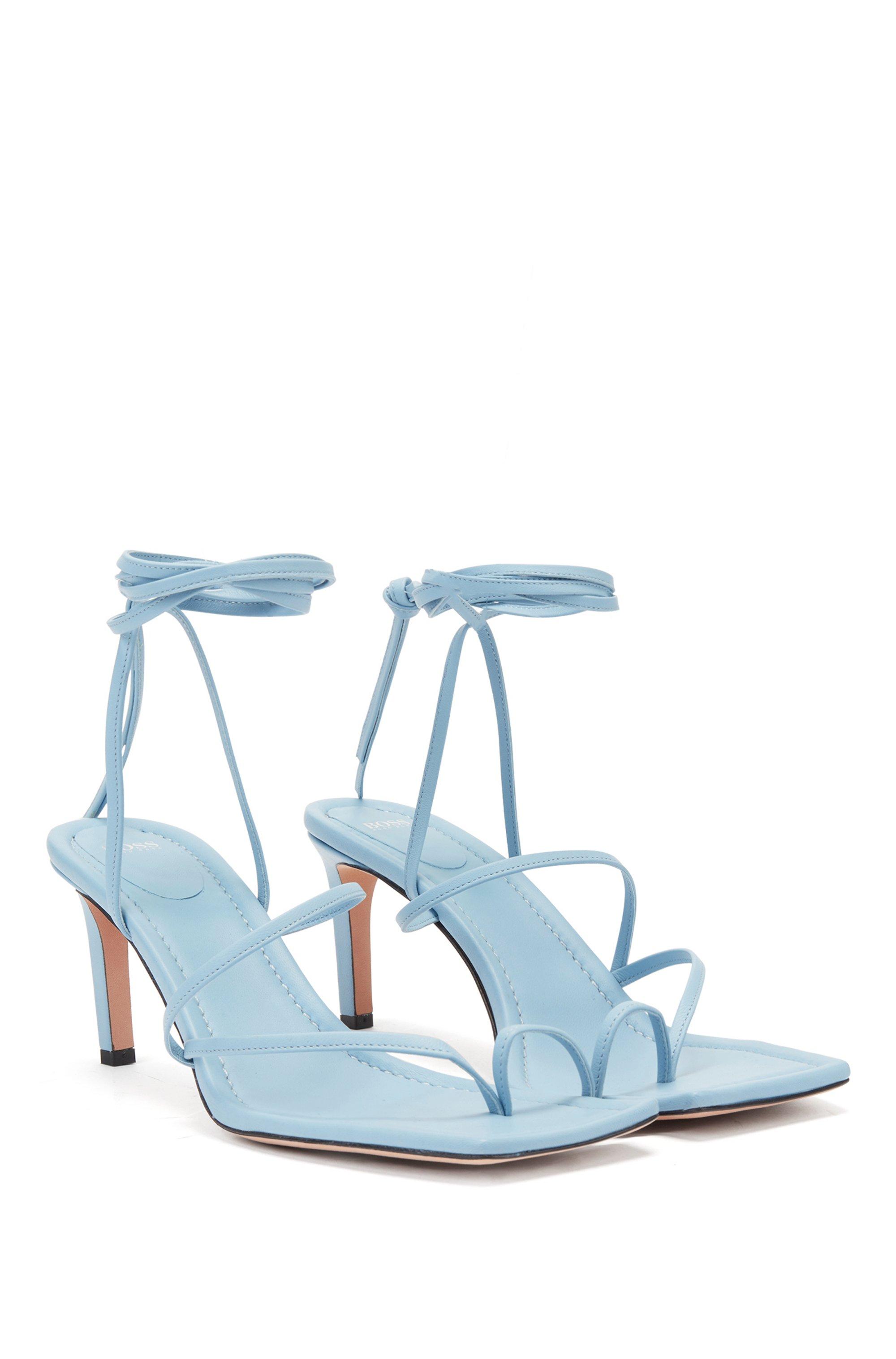 Sandalias con tira larga en el tobillo elaboradas en piel italiana