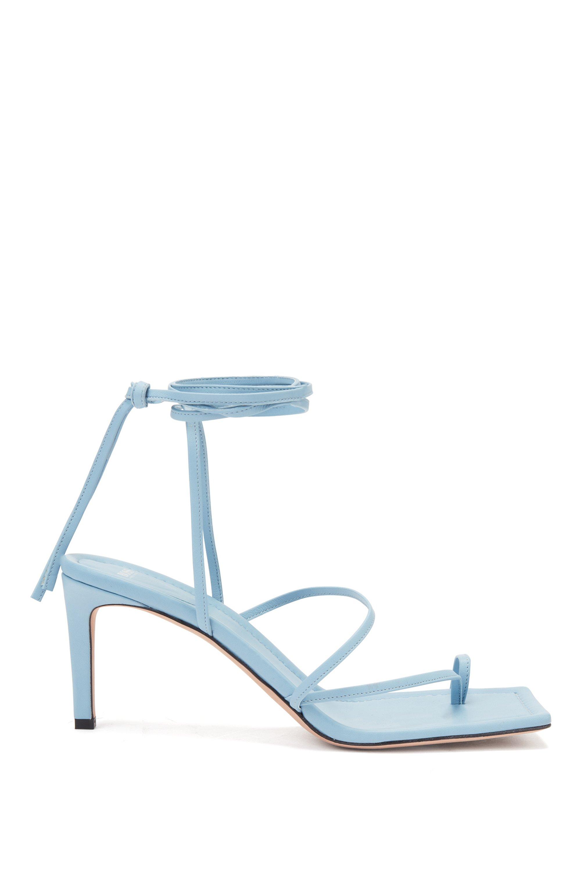 Sandalias con tira larga en el tobillo elaboradas en piel italiana, Celeste