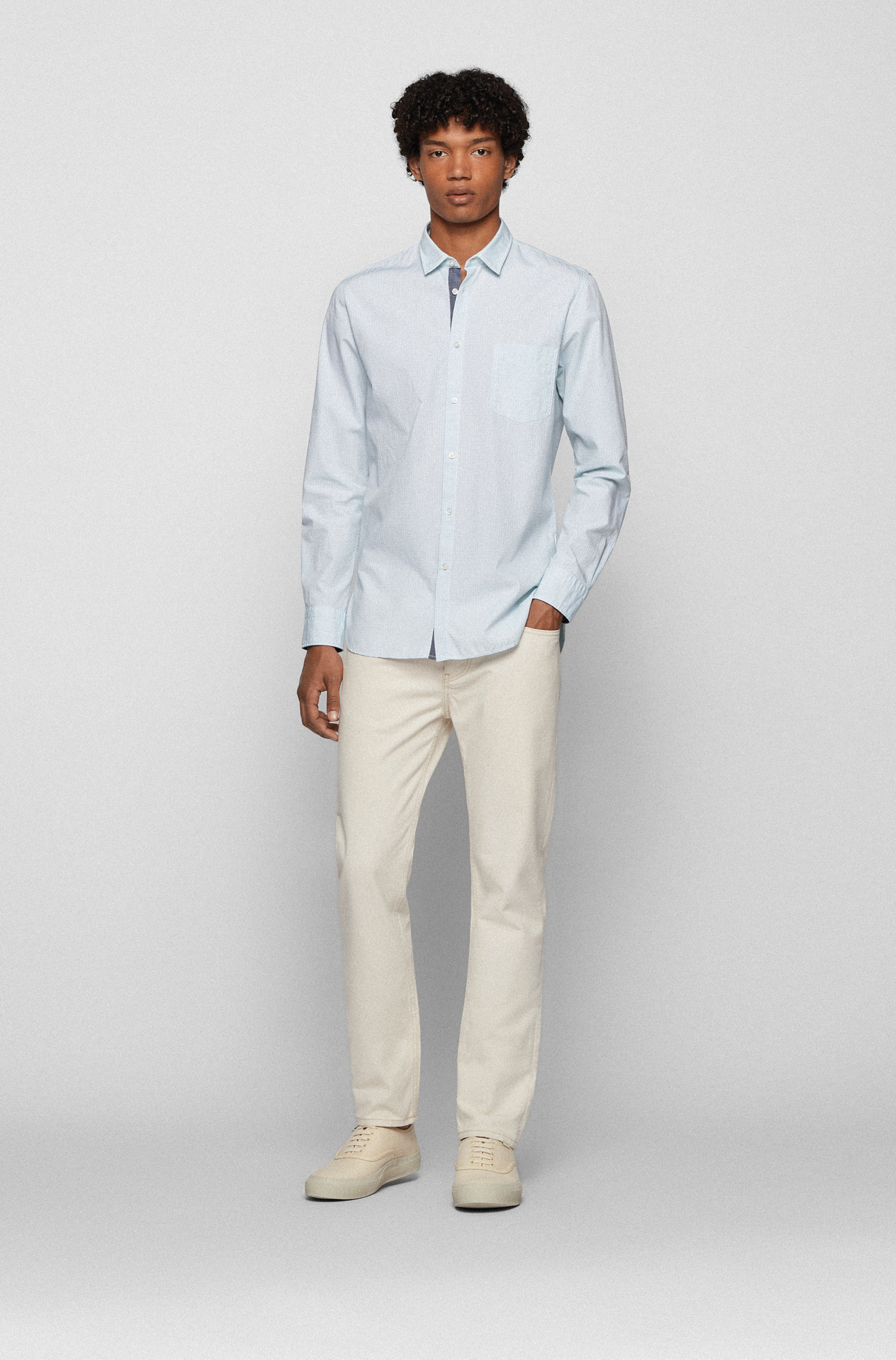 Patterned slim-fit shirt in stretch-cotton dobby