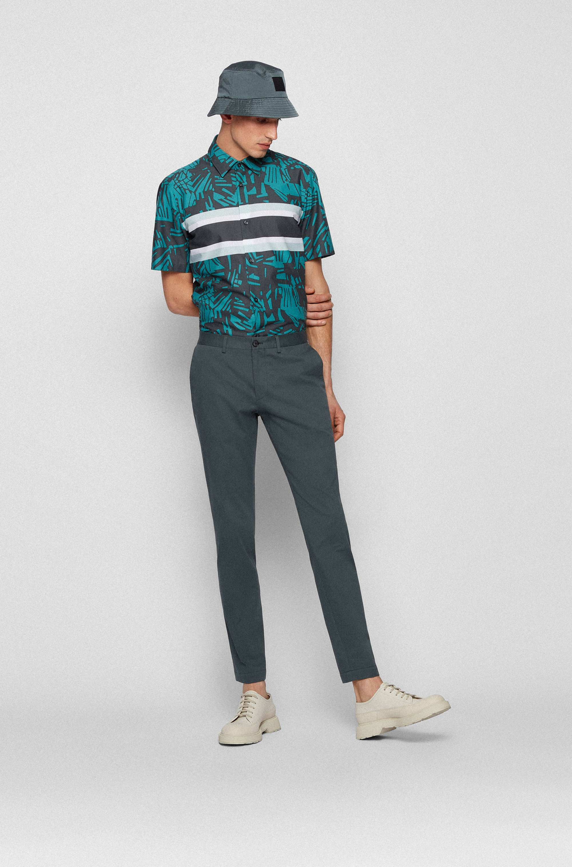 Regular-fit shirt in Italian cotton with tropical print