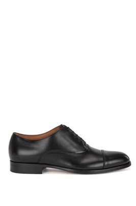 Italian-made cap-toe Oxford shoes in calf leather, Black