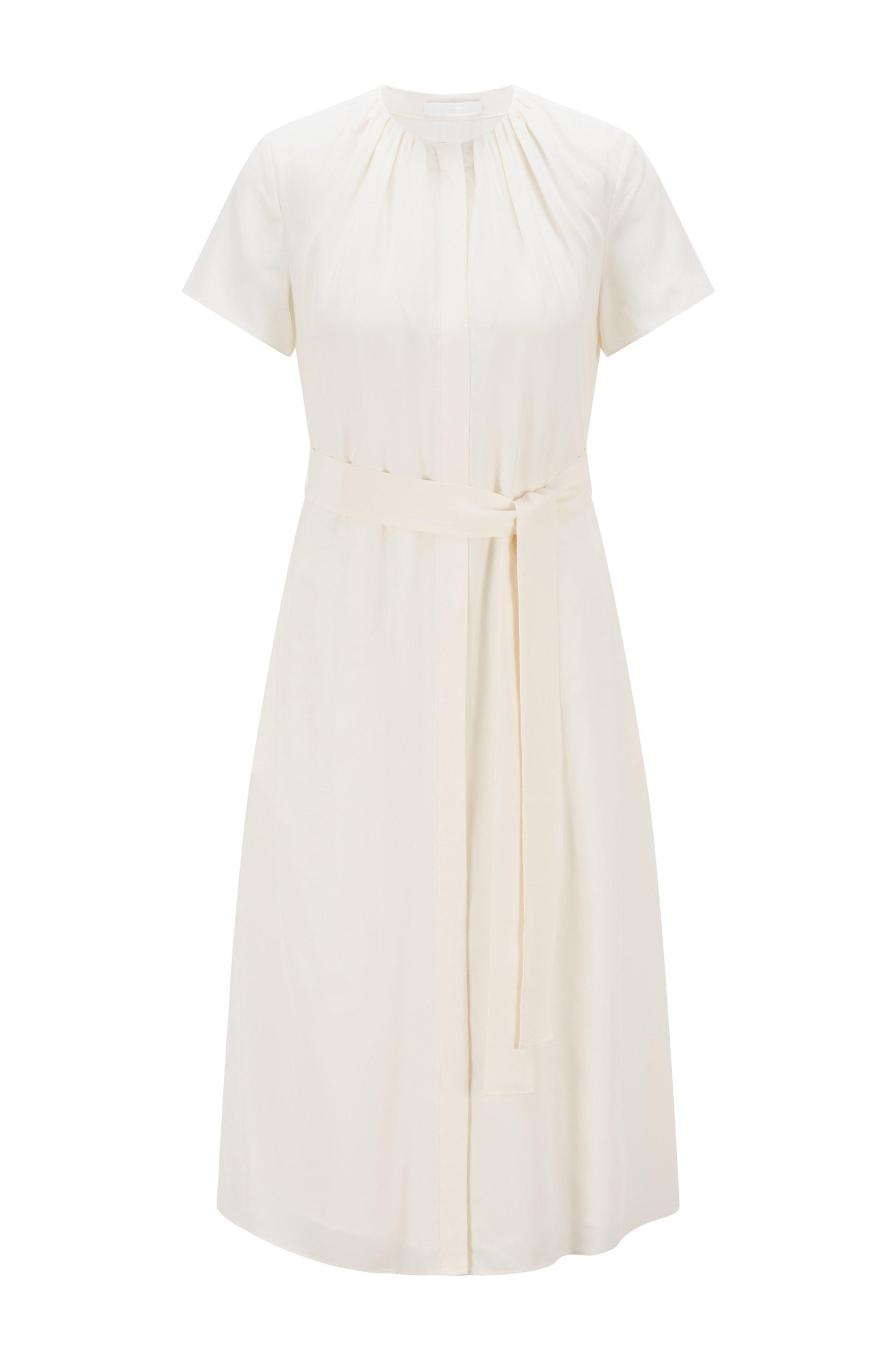 Robe mi-longue en crêpe effet froissé, avec encolure froncée, Blanc