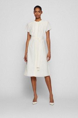 Midi-jurk van gekreukte crêpe met ruches aan de halslijn, Wit