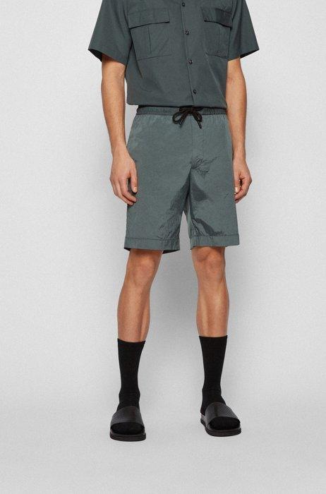 Lightweight drawstring shorts in crinkled fabric, Dark Green