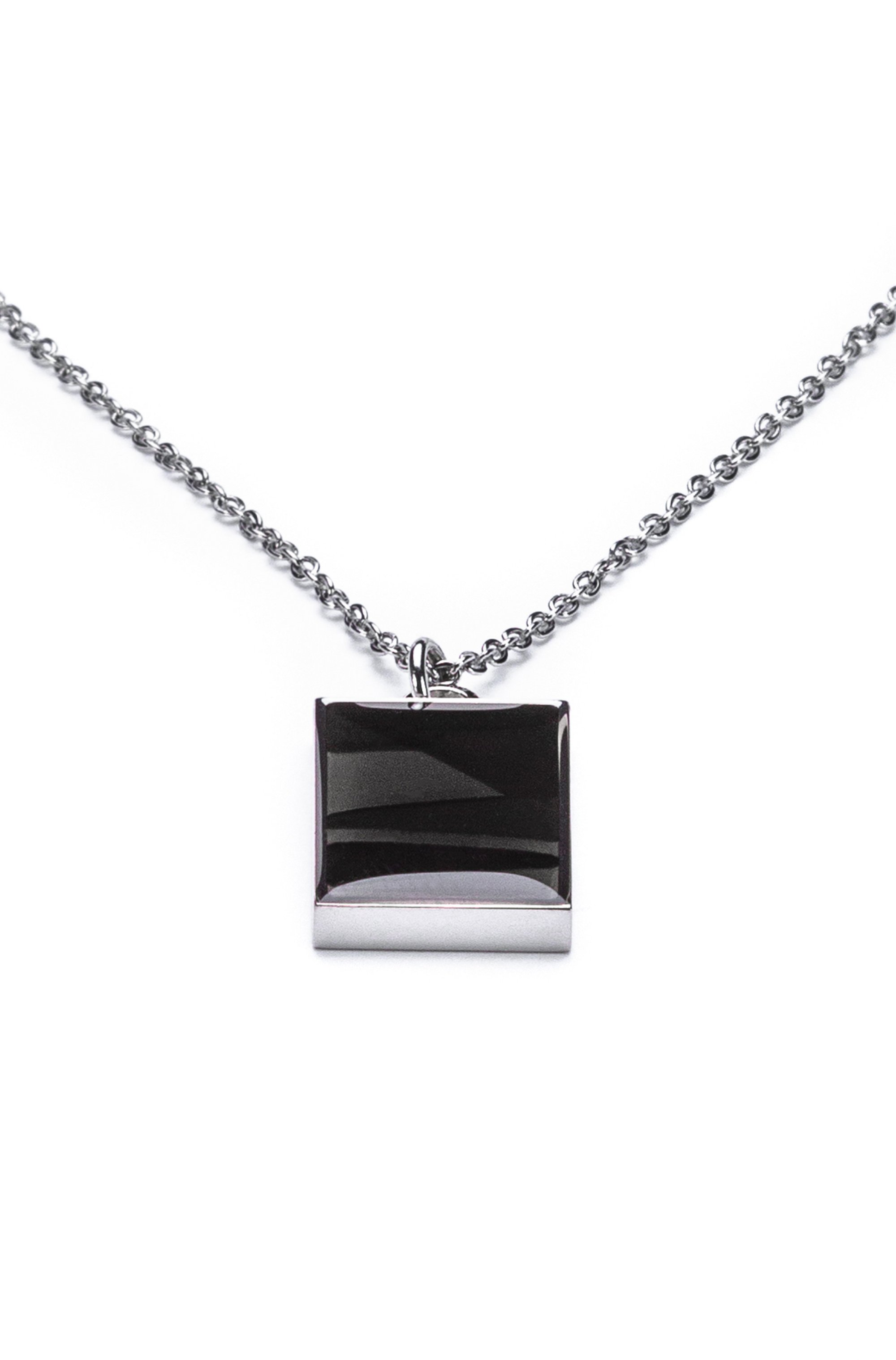 Enamel pendant necklace with carabiner closure