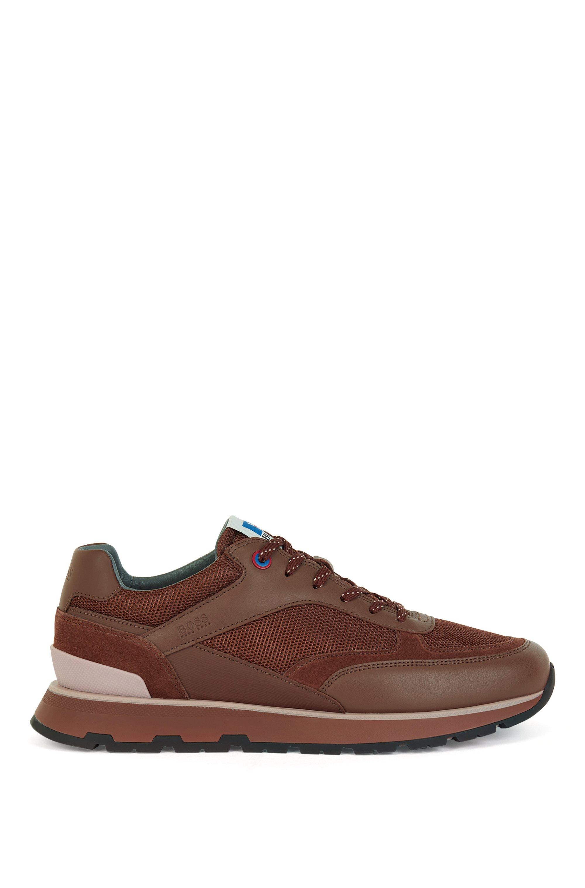 Deportivas inspiradas en las zapatillas de correr en mezcla de materiales con logo exclusivo, Marrón claro