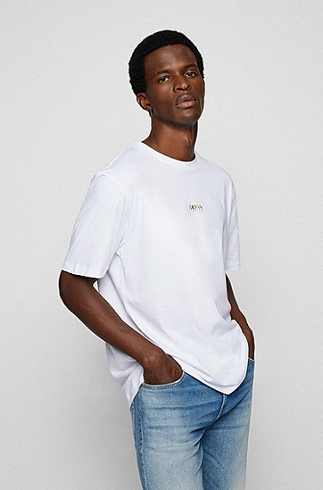 彩虹色徽标和背面标语装饰棉质平纹单面针织布 T 恤,  White