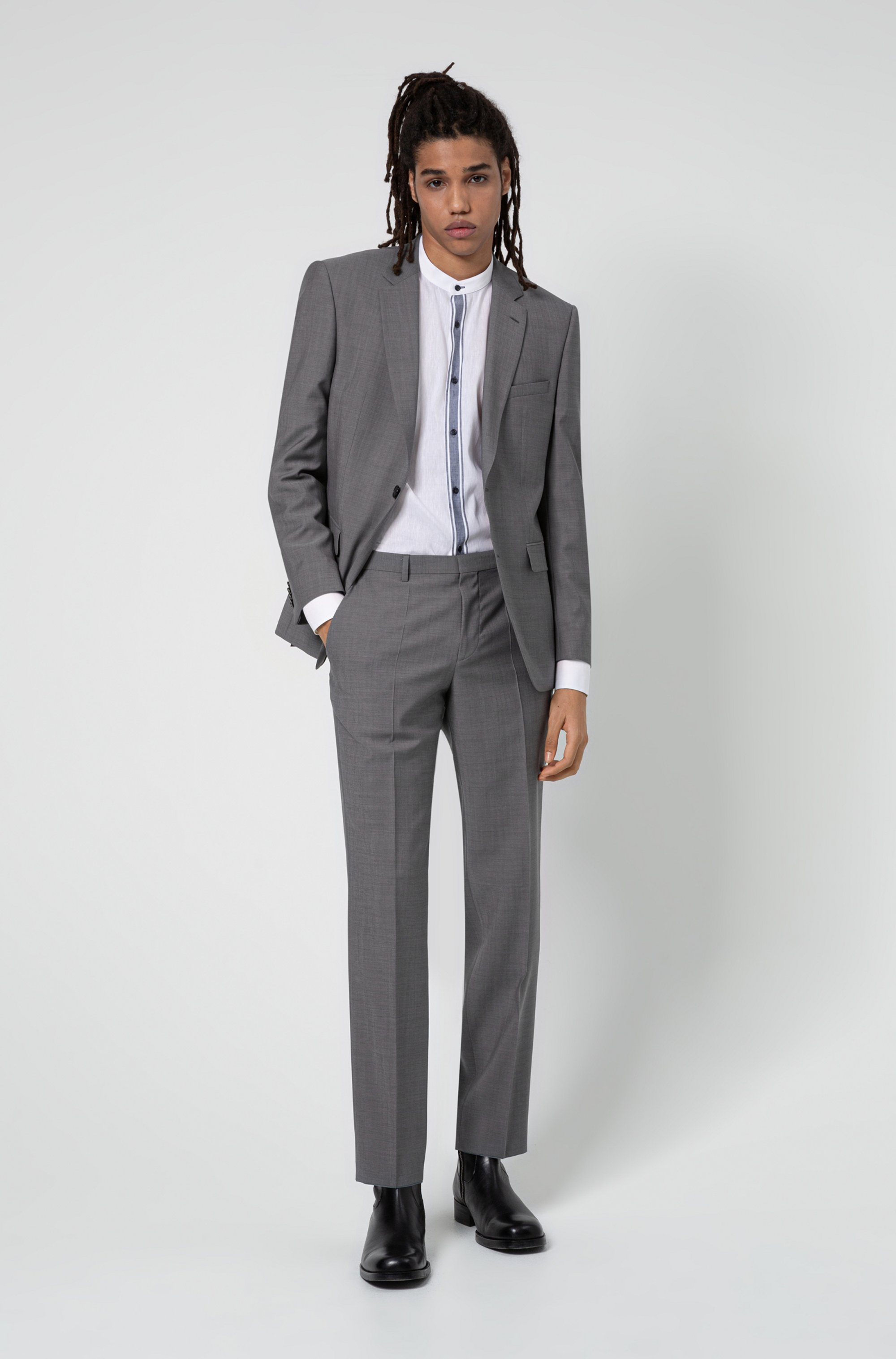 Regular-fit suit in micro-patterned tropical wool