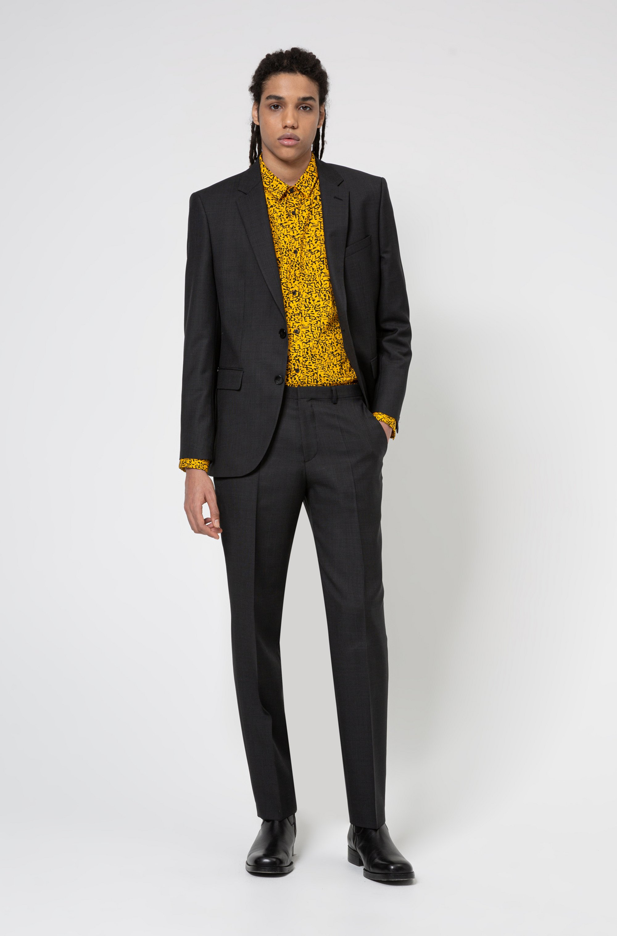 Regular-fit suit in micro-patterned virgin wool