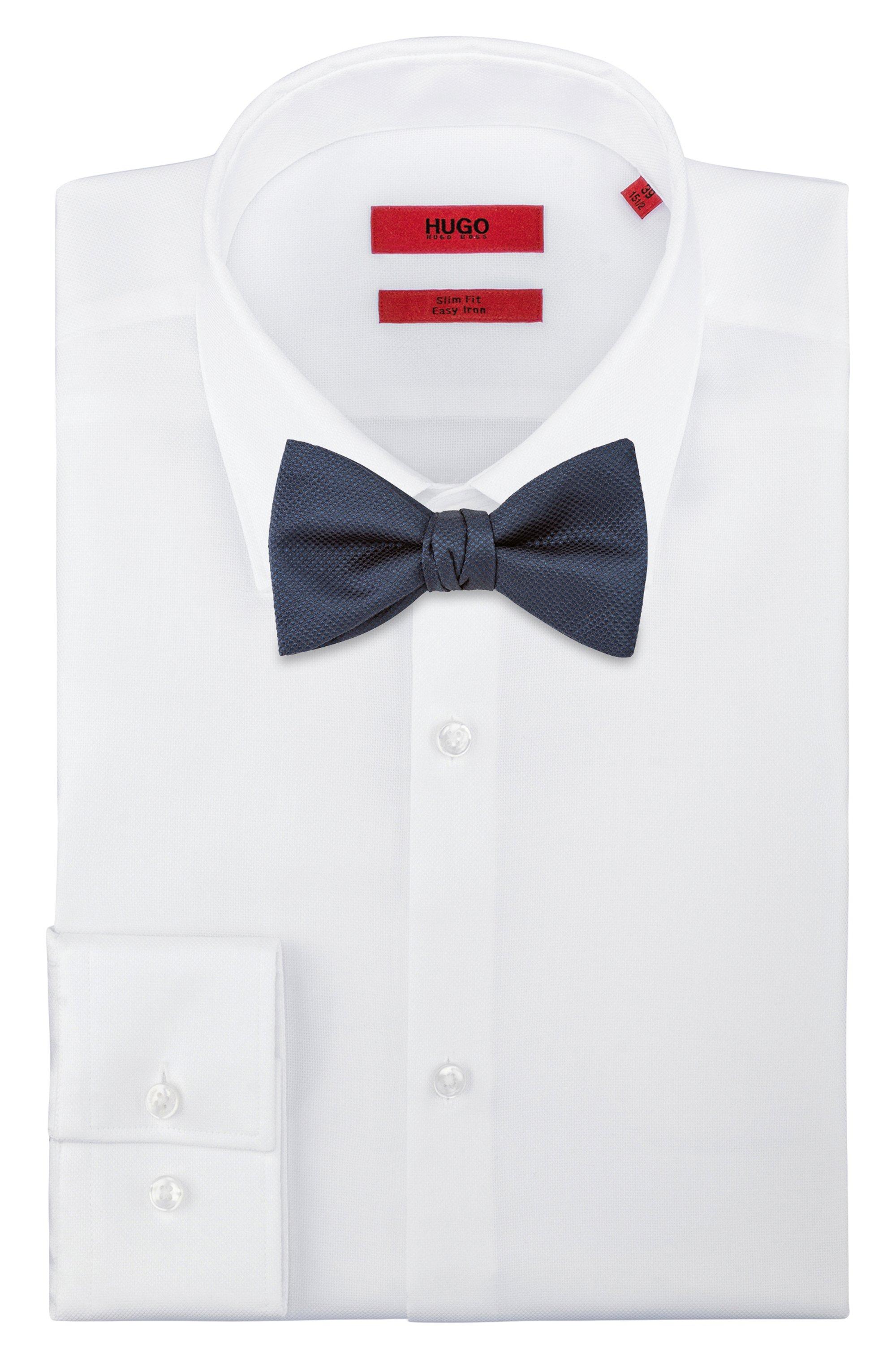 Pre-tied bow tie in silk jacquard