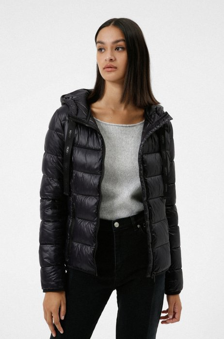 Packable padded jacket in recycled fabric with logo details, Black