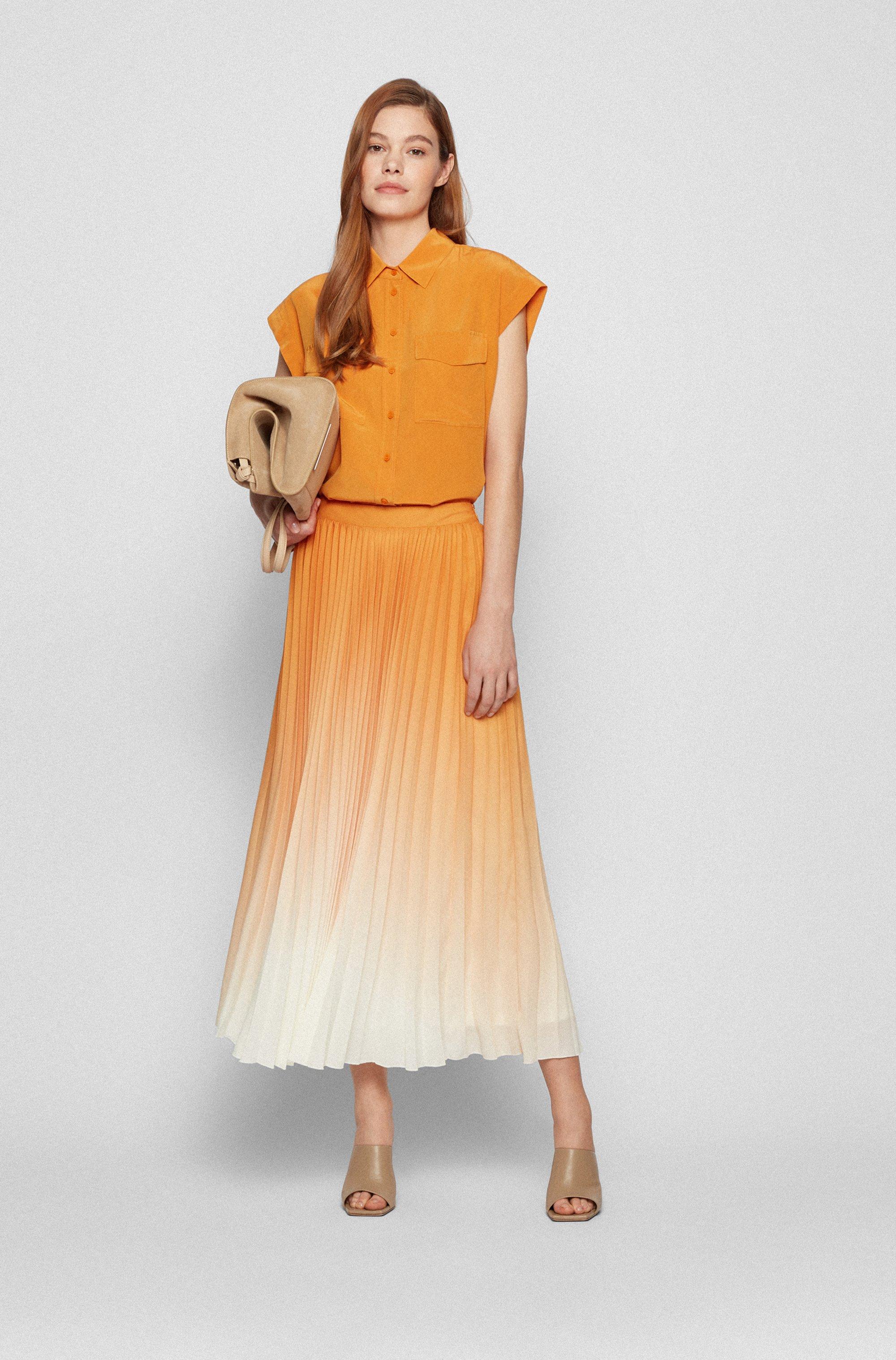 Plissé maxi skirt with exclusive print