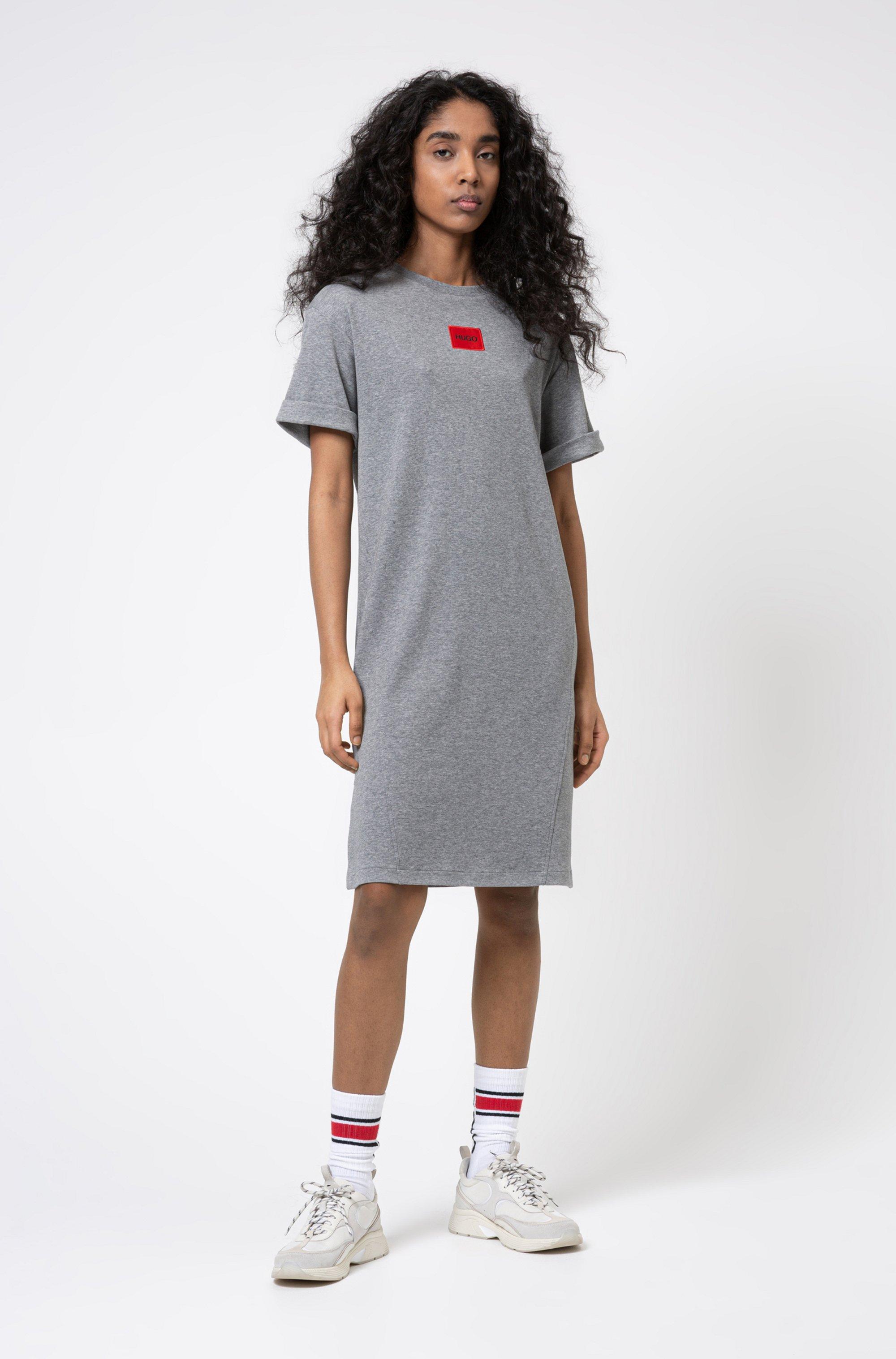 Robe t-shirt en coton interlock avec étiquette logo rouge