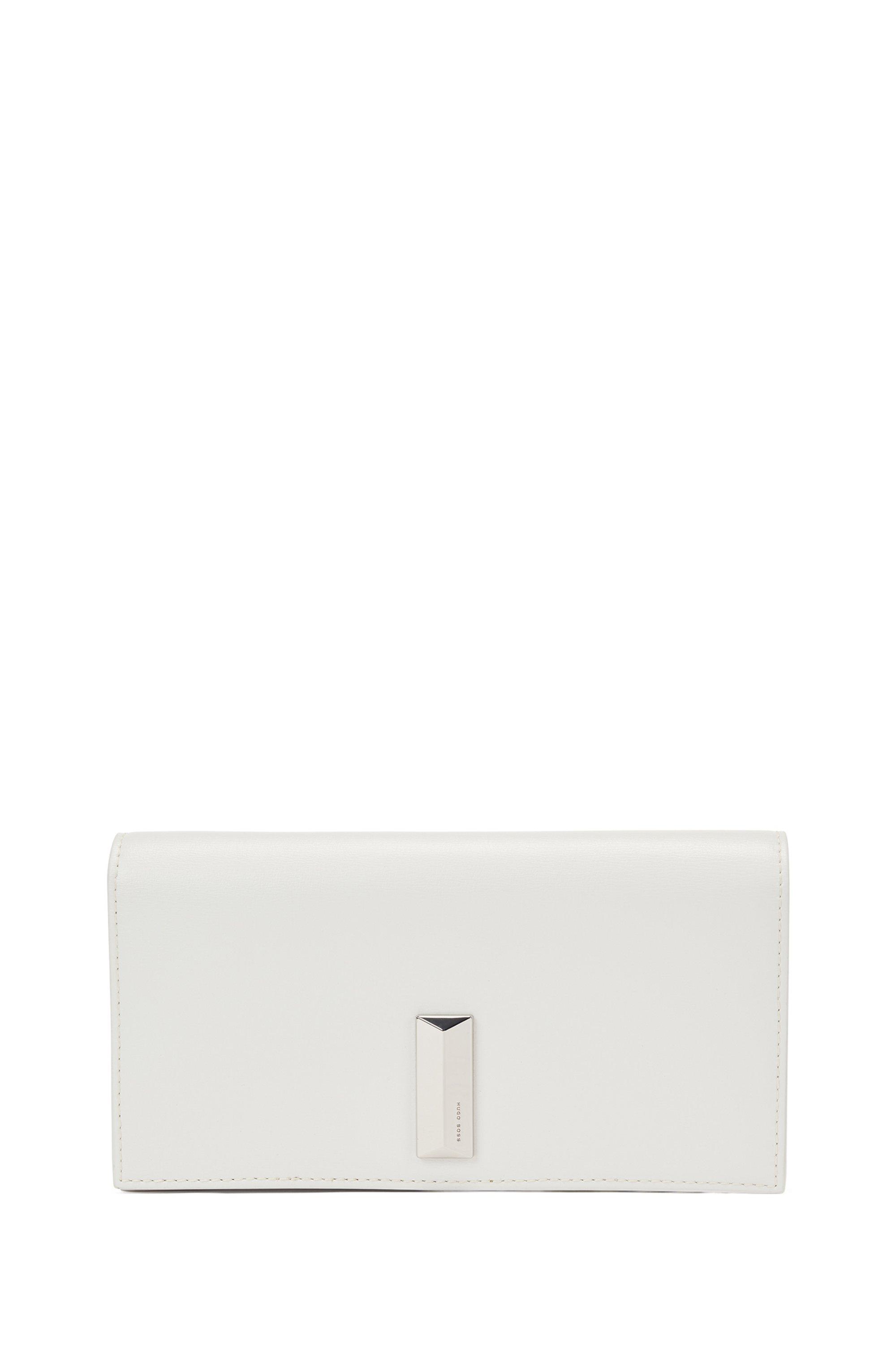 Mini sac en cuir avec garniture métallique en forme de pyramide, Blanc