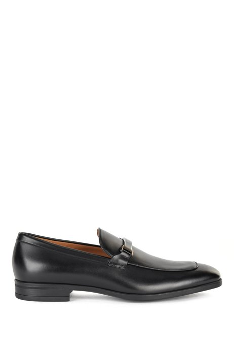 Italian-made loafers in tanned leather with branded hardware, Black