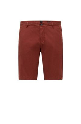 Garment-dyed shorts in stretch-cotton twill, Brown