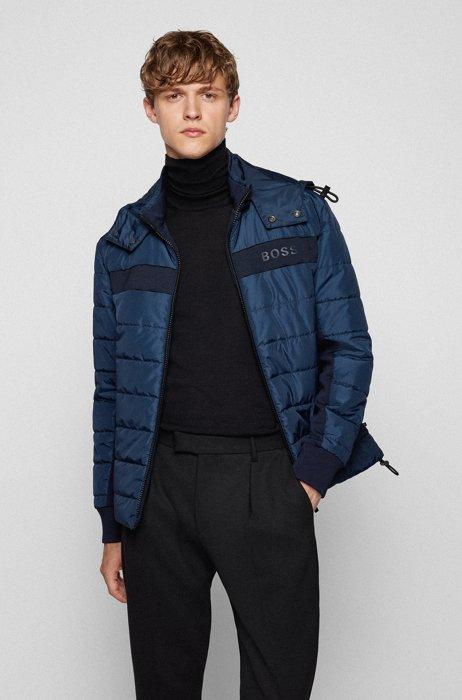 Veste déperlante Regular Fit avec matelassage et logo, Bleu foncé