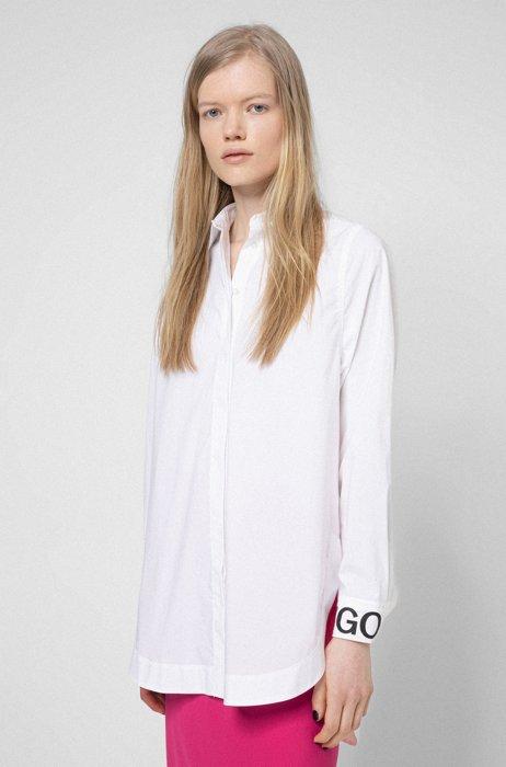 Oversized Bluse aus Stretch-Baumwolle mit Logo-Manschette, Weiß