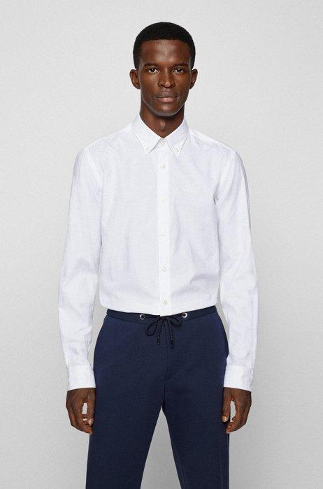 Chemise Slim Fit en coton Oxford biologique, avec col à pointes boutonnées, Blanc