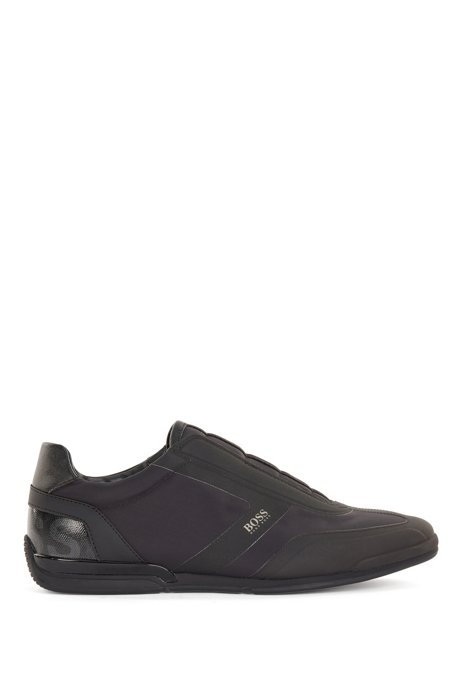 Low-top laceless trainers in mixed materials, Black