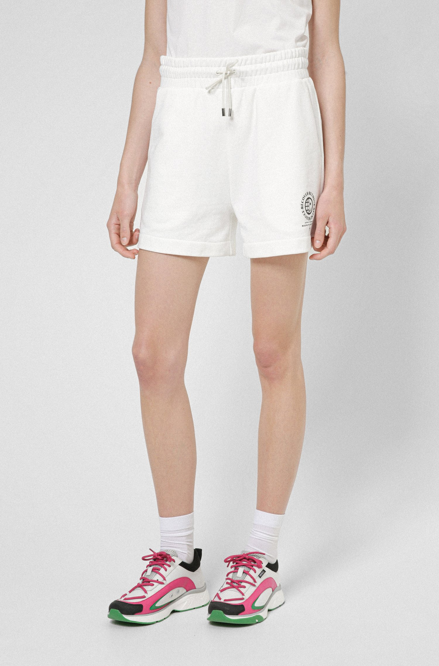 High-waisted shorts in organic cotton with exclusive icon, White