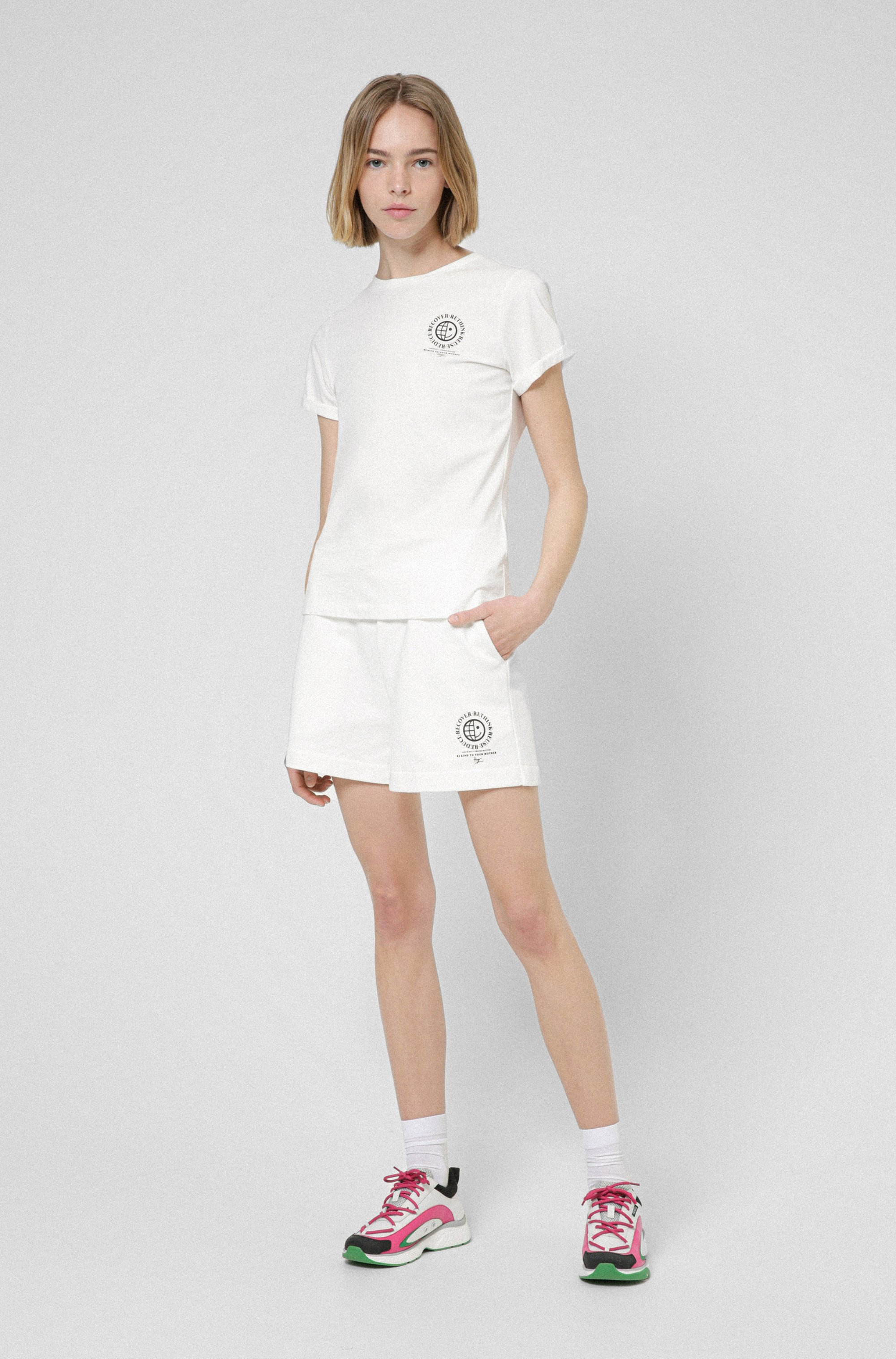 Slim-fit T-shirt in organic cotton with exclusive icon