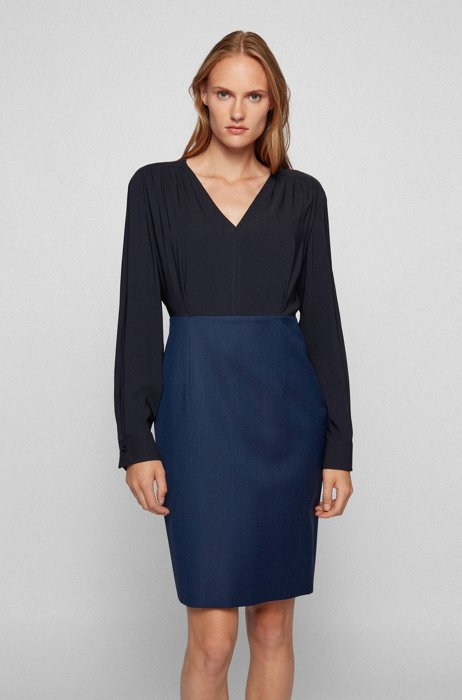 V-neck two-in-one dress with ruched shoulders, Patterned
