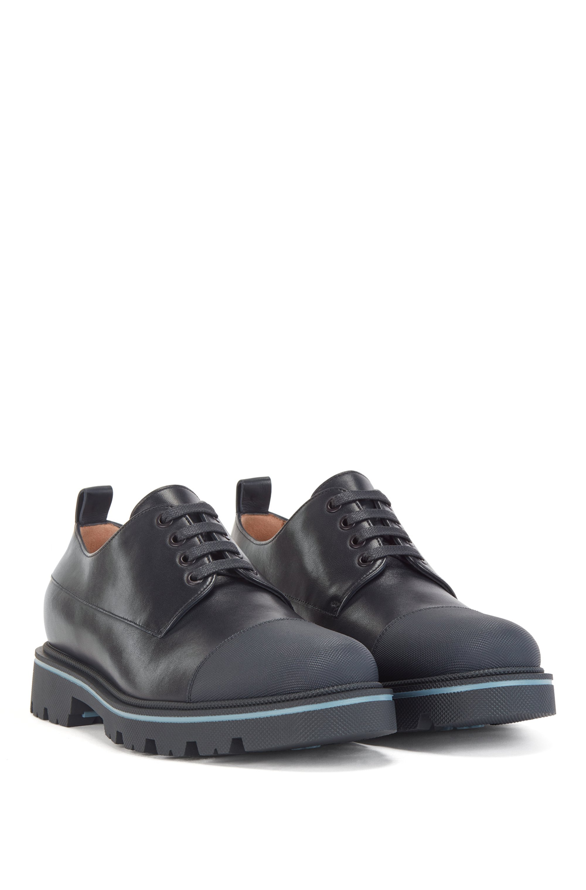 Derby shoes in polished leather with toe-cap trim
