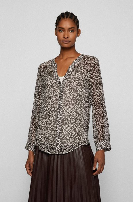 Slim-fit blouse in printed fabric with concealed placket, Patterned