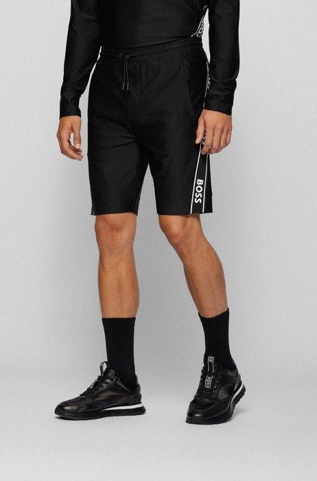 Slim-Fit Shorts mit eingesetzten Logo-Tapes, Schwarz