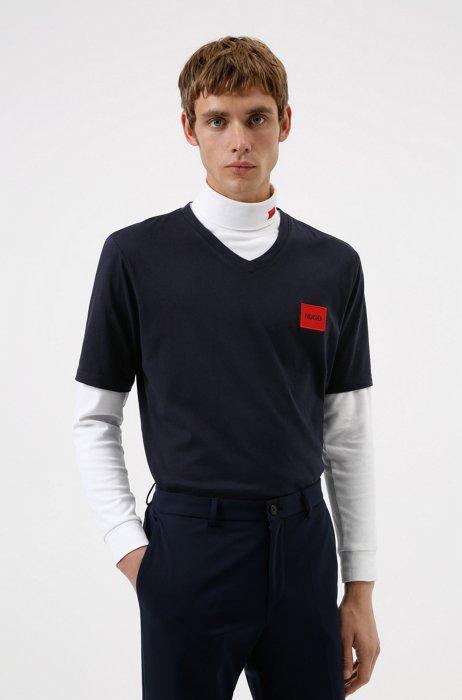 V-neck cotton T-shirt with red logo label, Dark Blue
