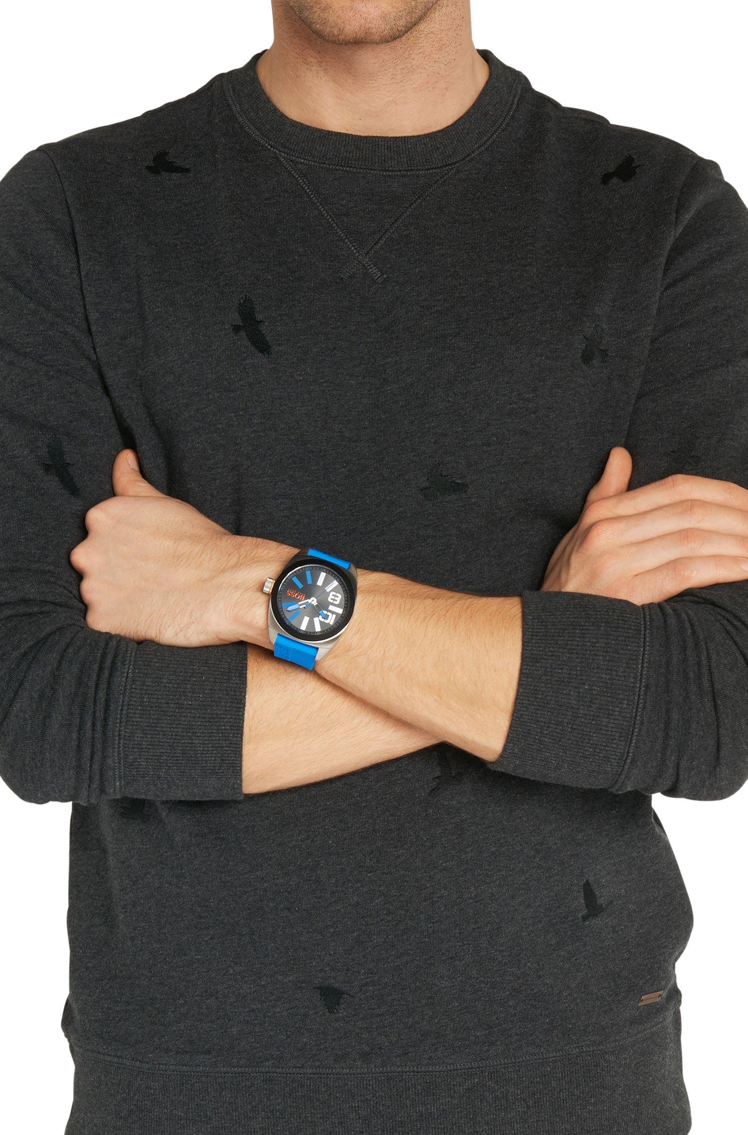 Armbanduhr mit Edelstahlgehäuse und zentraler Sekunde: 'HB2311'