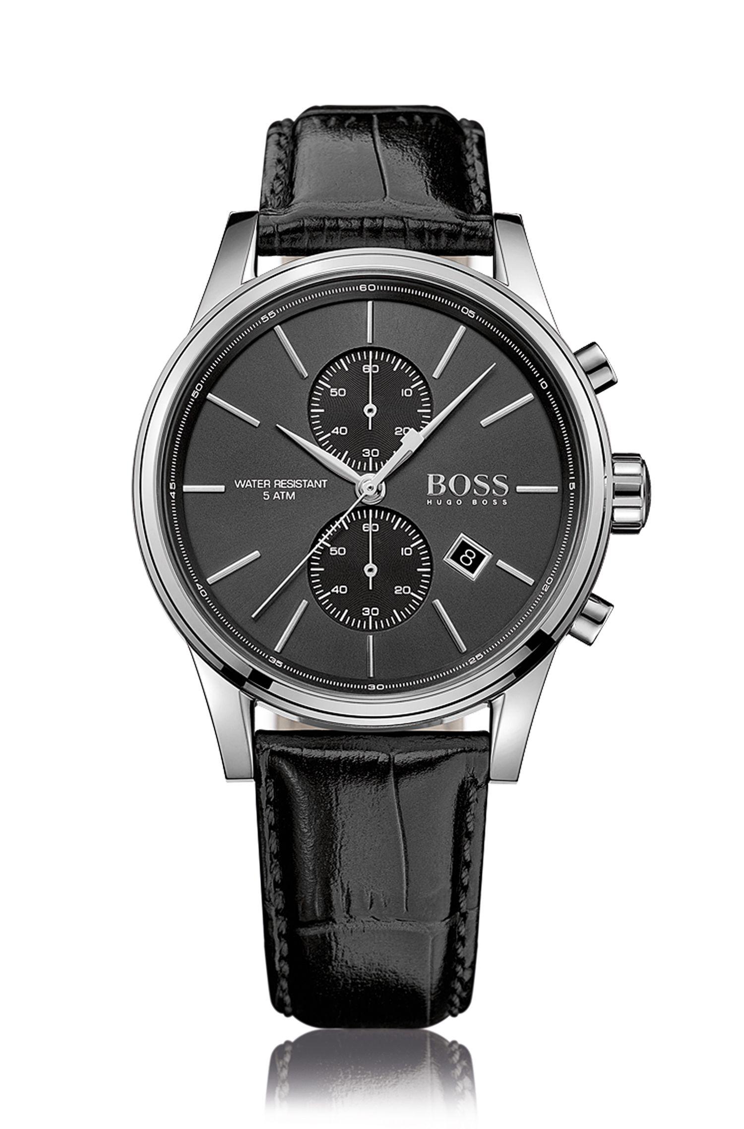Montre chronographe en acier inoxydable poli à deux sous-cadrans, dotée d'un cadran noir soleillé et d'un bracelet en cuir