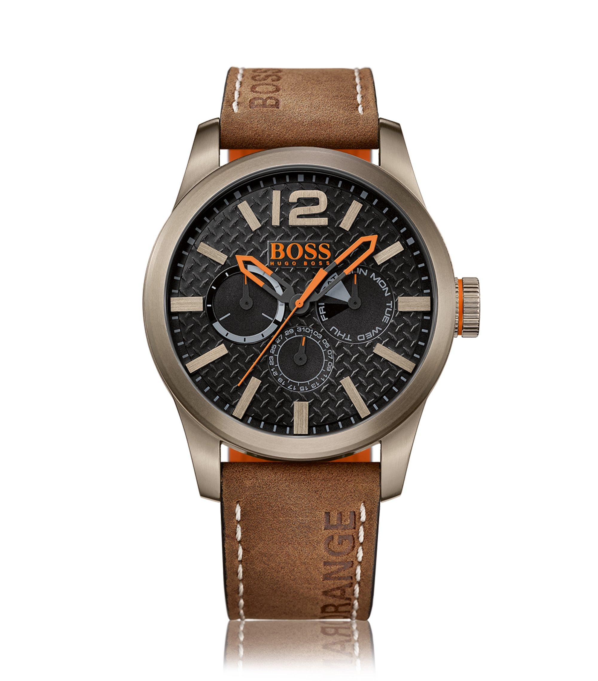 Uhr aus Edelstahl mit Totalisatoren, strukturiertem Zifferblatt und Armband aus Nubukleder, Braun