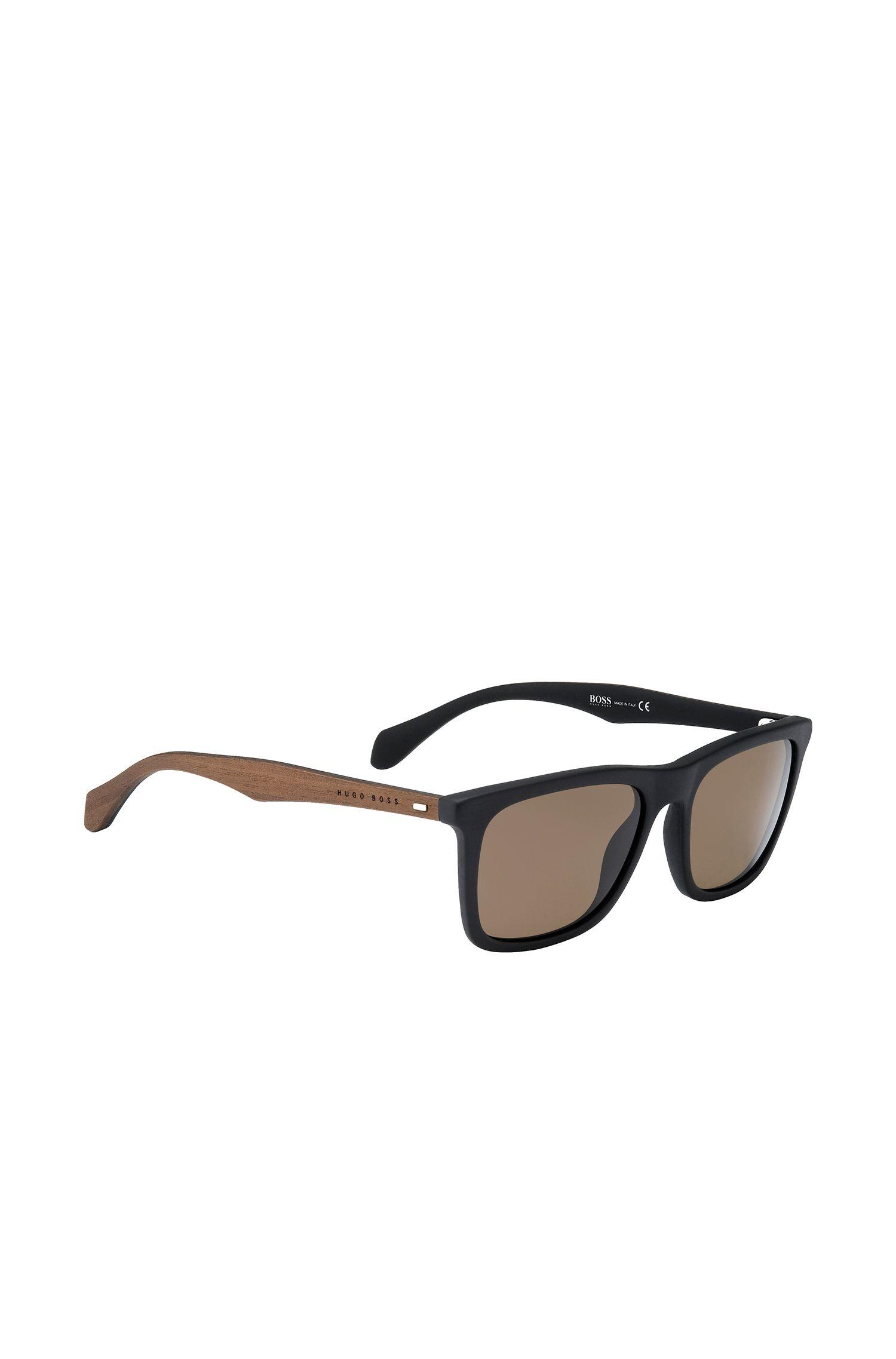 Zwarte zonnebril met poten van echt hout: 'BOSS 0776/S'