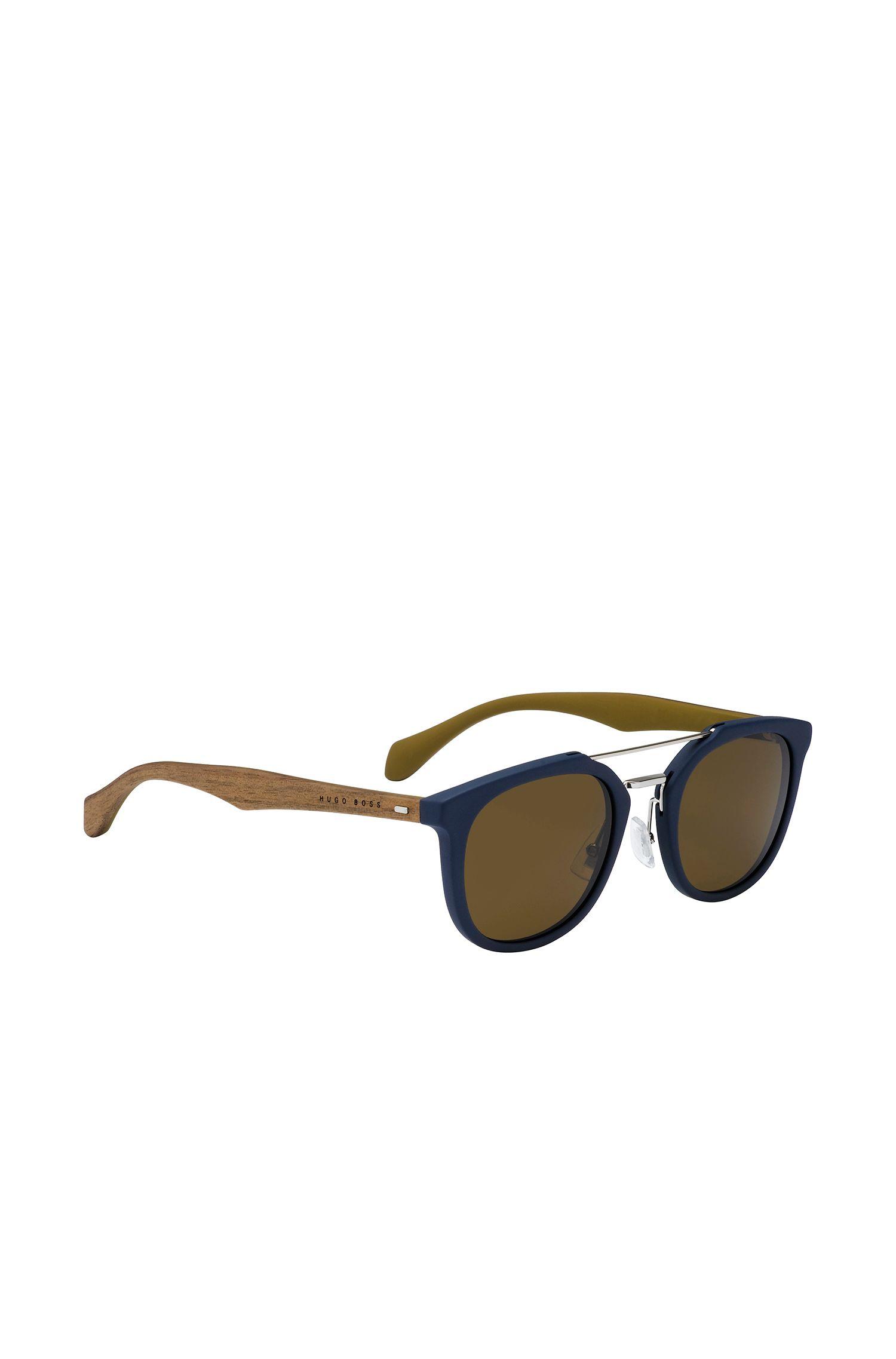 Donkerblauwe zonnebril met houten poten: 'BOSS 0777/S'