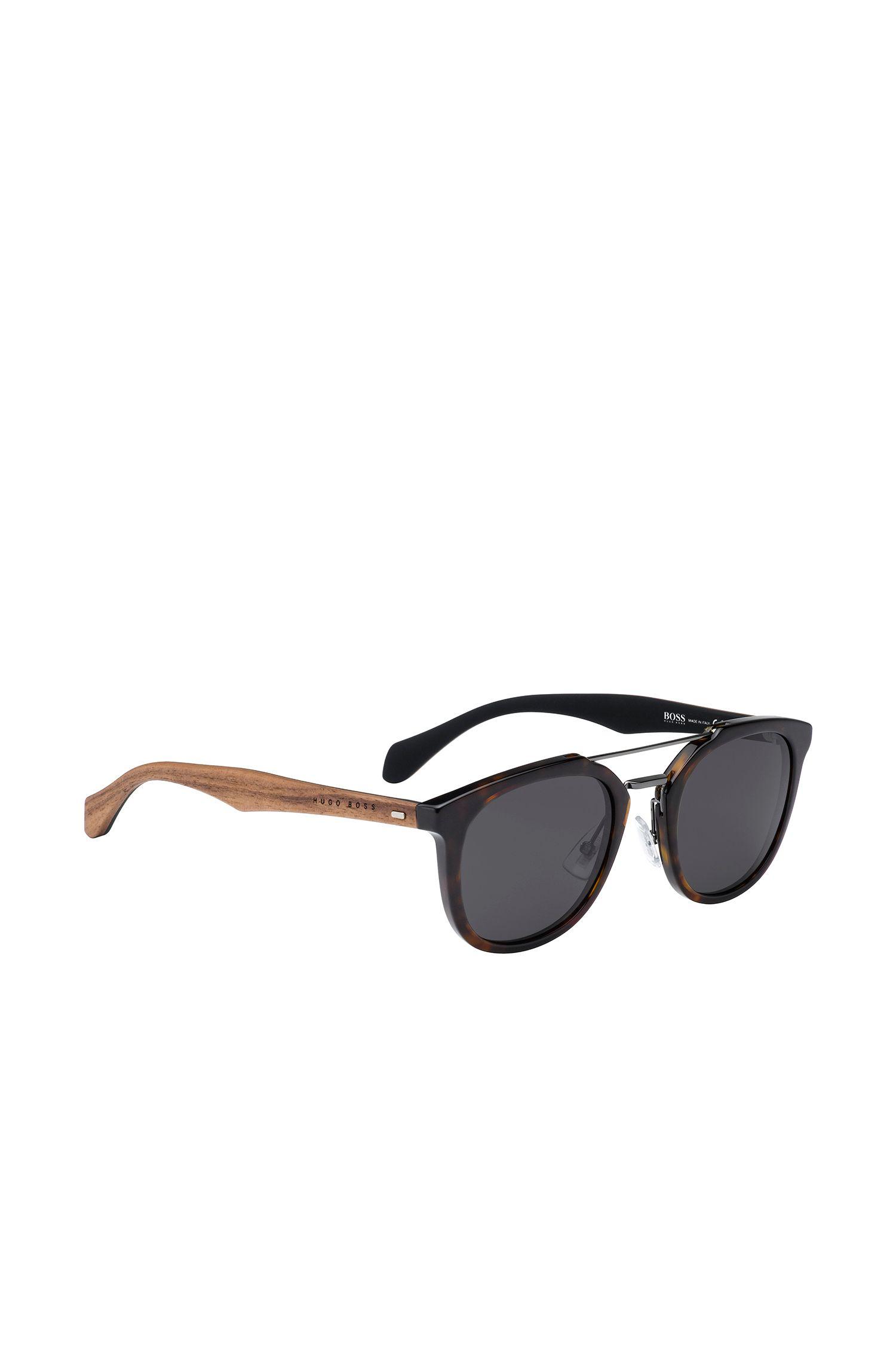 Sonnenbrille mit Havanna-Muster und Holzbügeln: 'BOSS 0777/S'