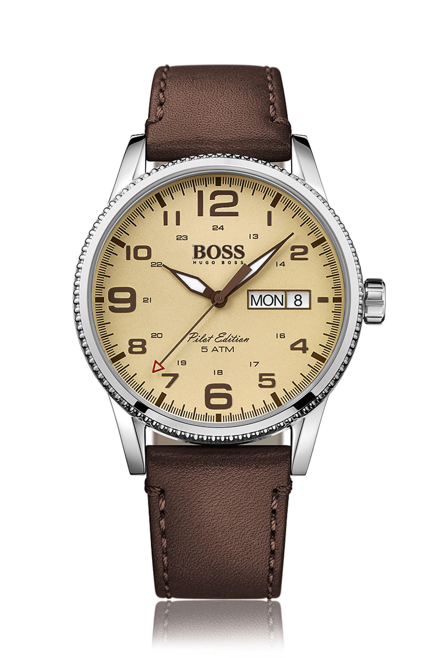 Reloj estilo piloto en acero inoxidable con bisel en textura