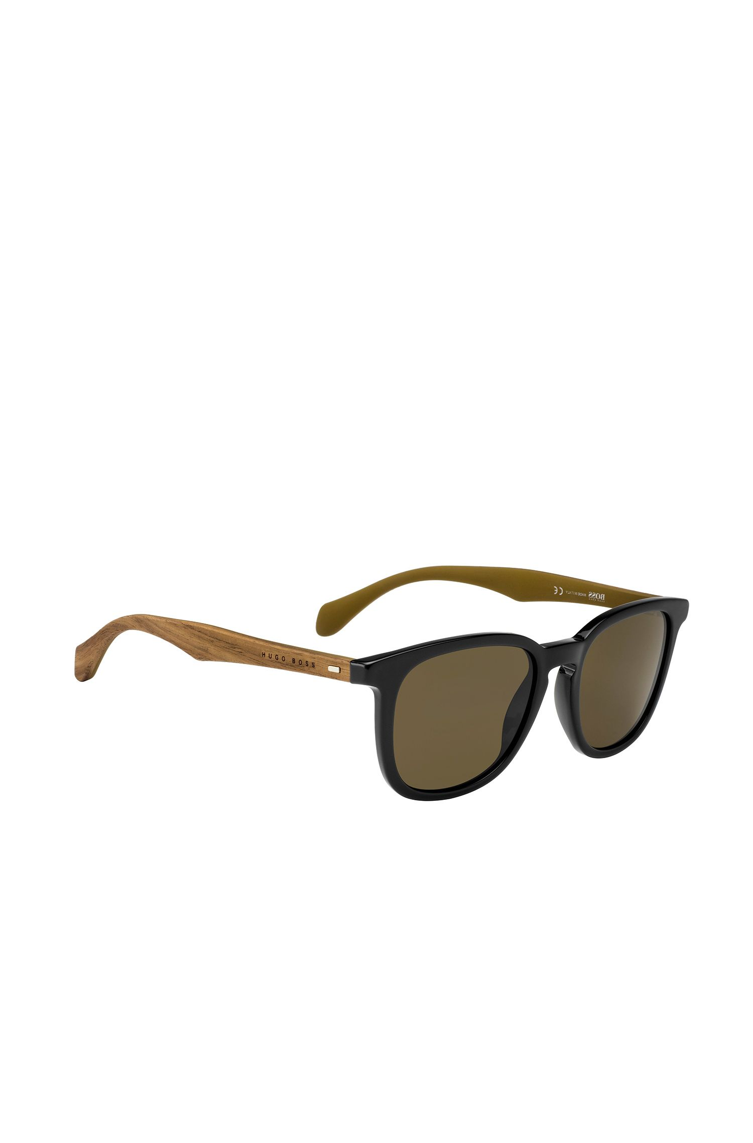 Sunglasses with rounded fully-rimmed frames and wooden temples: 'BOSS 0843/S'